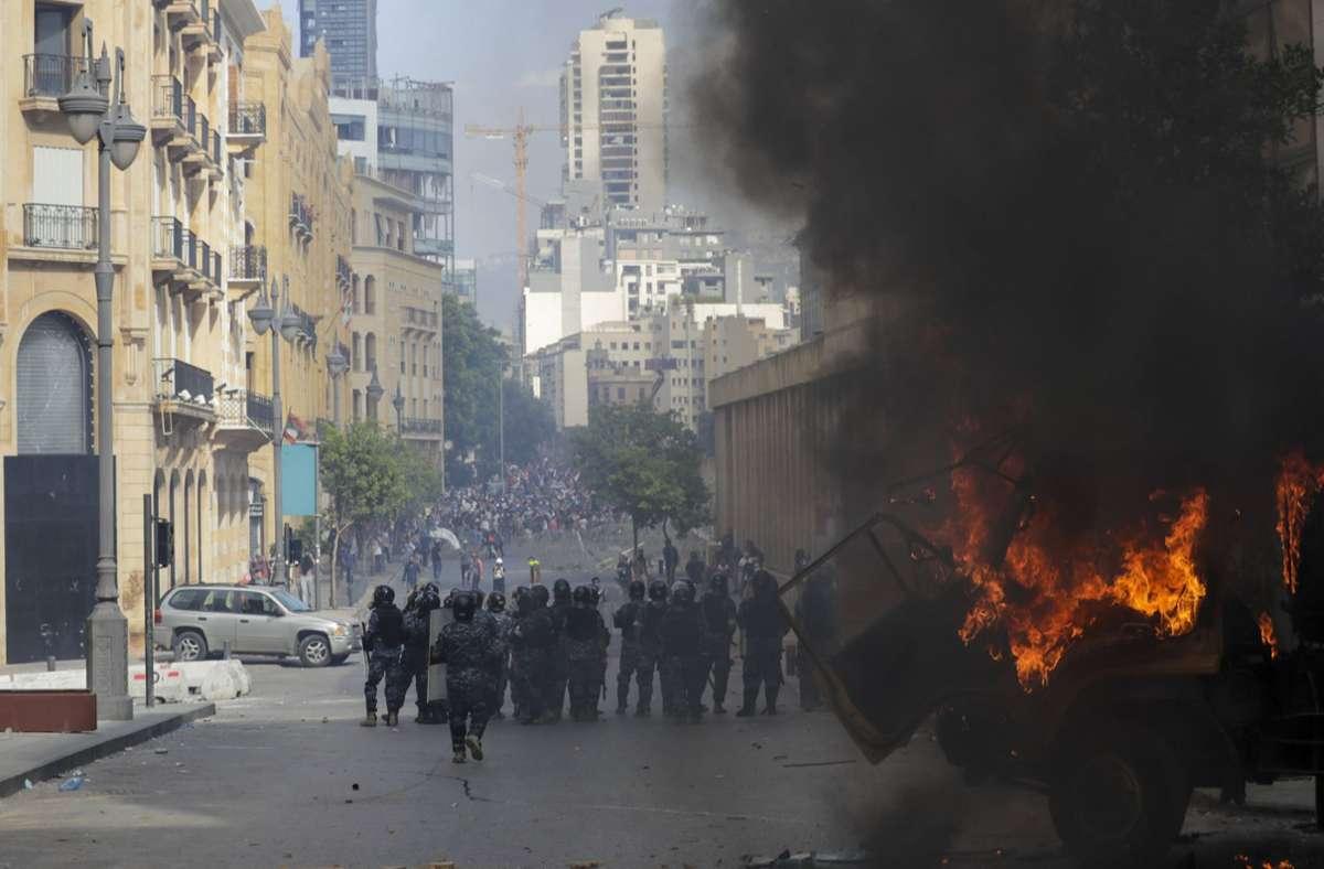 Die Explosion löste wütende Proteste aus. Bis heute ist niemand zur Verantwortung gezogen. Foto: dpa/Hassan Ammar