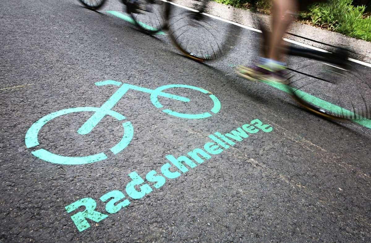 Schon bald soll der Radschnellweg angelegt werden. Foto: dpa/Christoph Schmidt