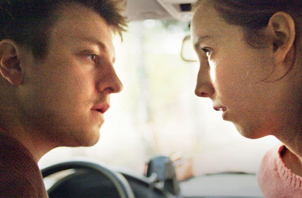 Jette (May-Britt Klenke) und ihr Freund Mario  (Thomas Schubert)  stehen vor großen Entscheidungen. Foto: WDR/Sutor Kolonko