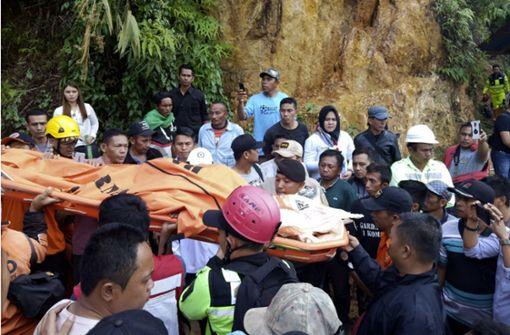 Viele Tote nach Einsturz von Goldmine in Indonesien
