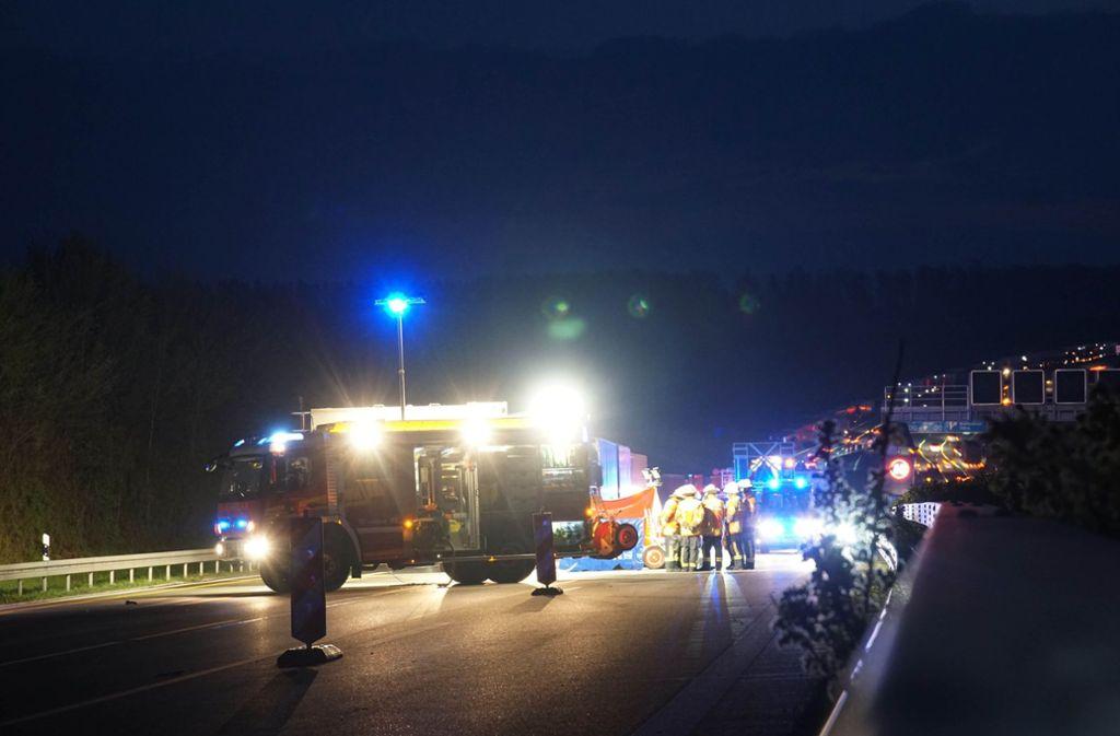 Warum war eine Autofahrerin zu Fuß auf der A81 unterwegs? Foto: Andreas Rosar