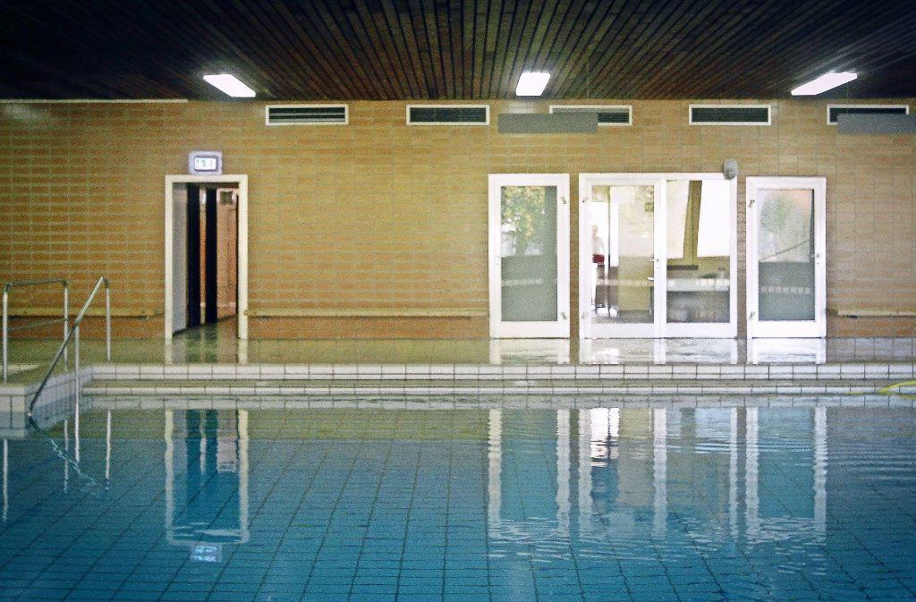 Die Stadt will das Lehrschwimmbad an der Carl-Diem-Straße abreißen. Ein Bürgerbegehren will das verhindern. Foto: factum/Bach