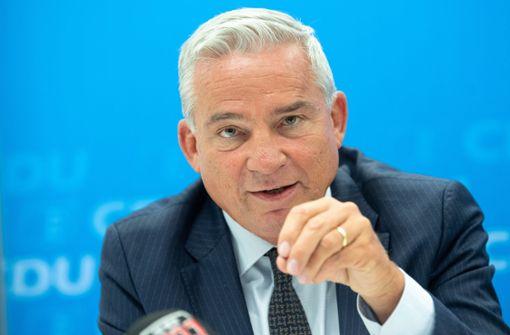 Innenminister Strobl bemängelt Umgang mit rechter Gewalt