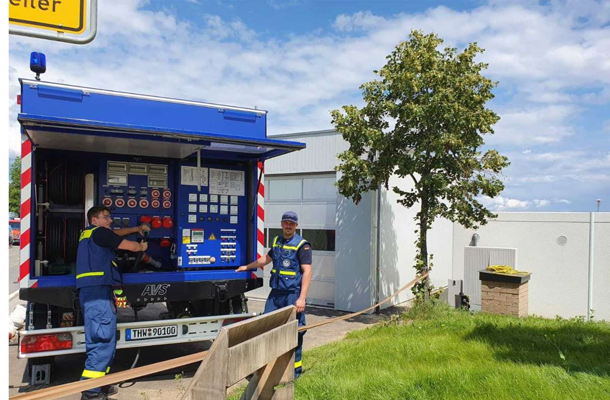 Mitarbeiter des Technischen Hilfswerks aus Ludwigsburg in der Eifel. Foto: THW/privat