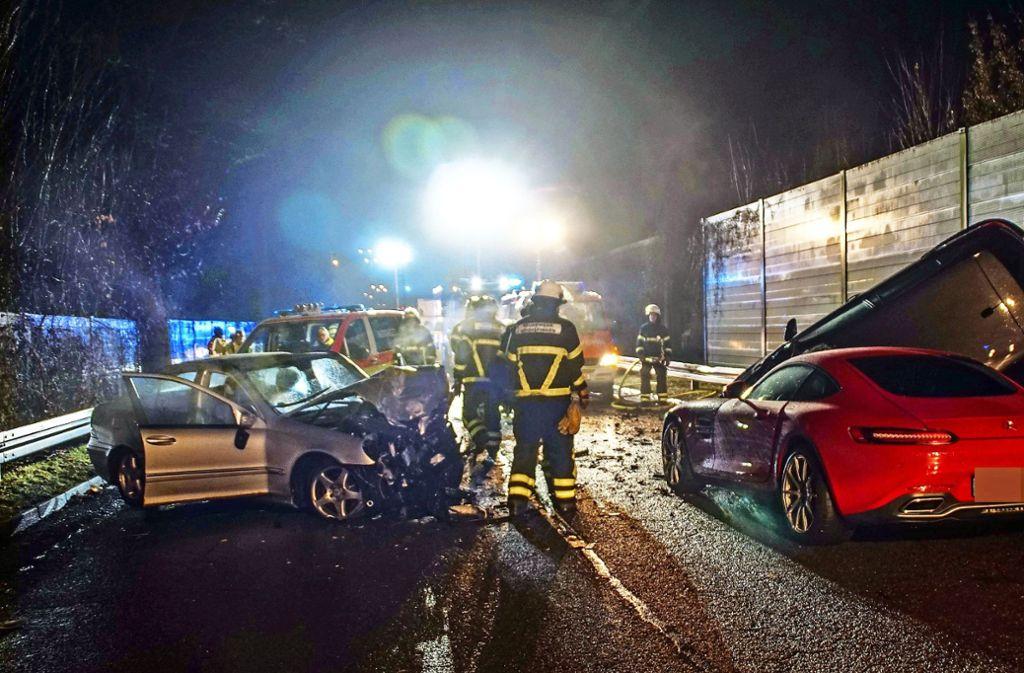 In Sindelfingen starben im vorigen Jahr zwei Menschen, weil ein Mercedesfahrer rücksichtslos überholt hat und auf ein   entgegen kommendes Auto geprallt ist. Foto: SDMG