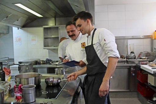 Kochen und servieren für besonders strenge Gäste
