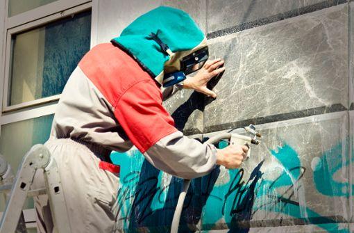 Graffiti entfernen (Tipps und Hinweise)