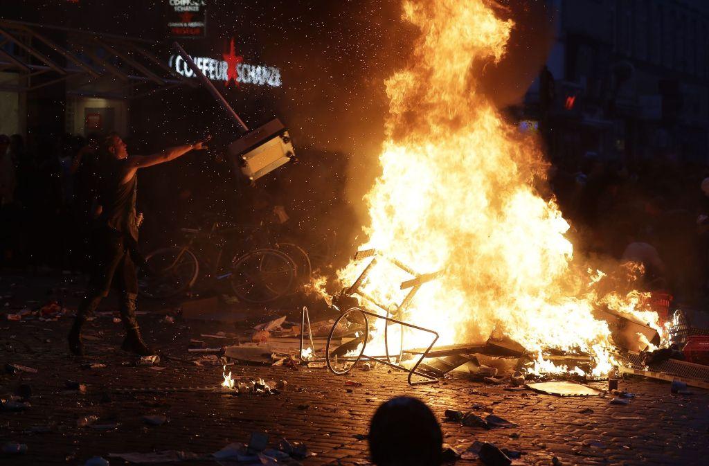 Krawallnacht bei G20 in Hamburg: Anarchie im Schanzenviertel