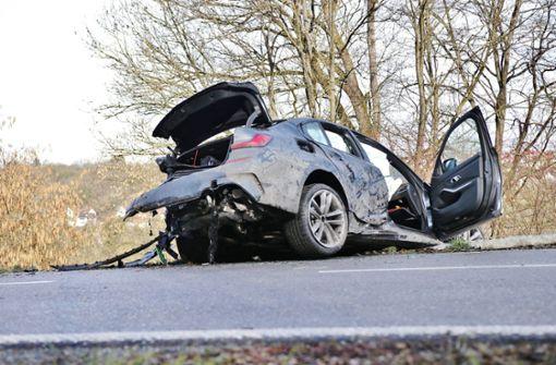 21-Jähriger fährt Testwagen zu Schrott