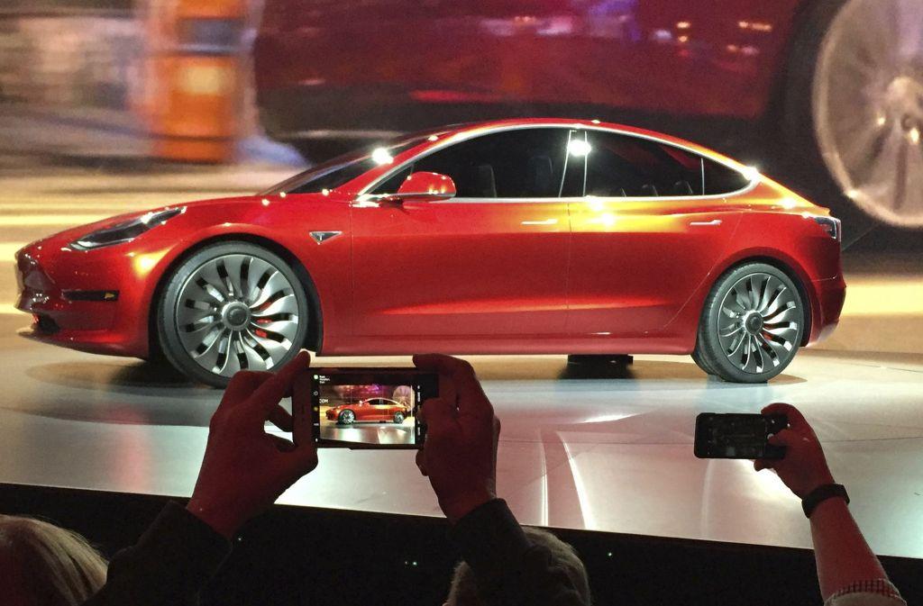 Für den Model 3 gibt es bereits rund 400000 Vorbestellungen. Foto: AP