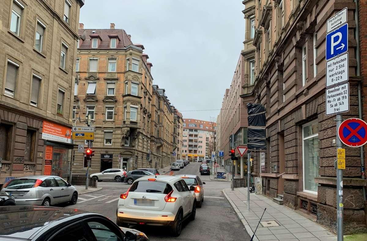 In der Kolbstraße werden Radler oft riskant überholt. Foto: R. Otter