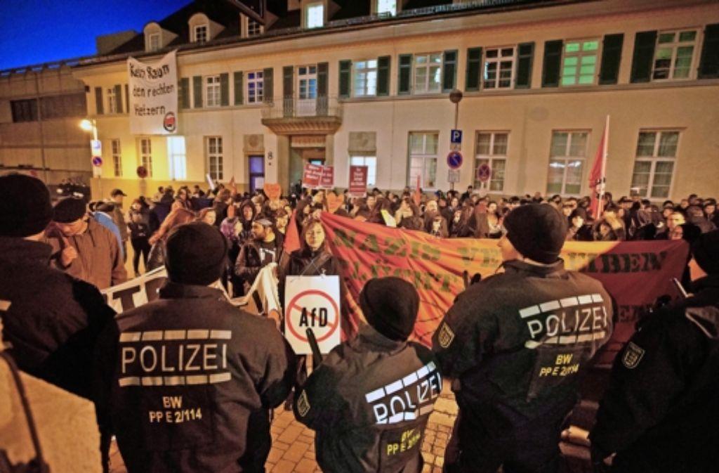 Wütende Proteste gegen die AfD-Veranstaltung am Donnerstag  in Backnang Foto: Gottfried Stoppel