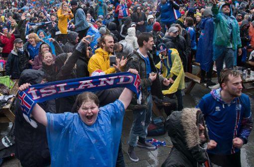 Island feiert im strömenden Regen