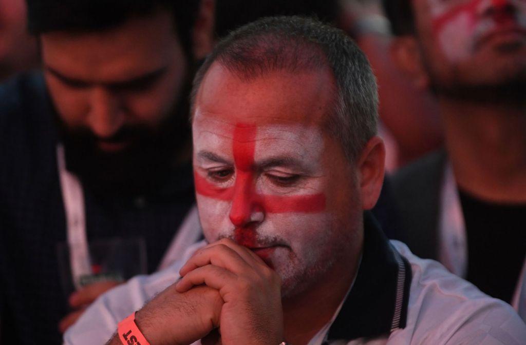 Die englischen Fans mussten sich auf Twitter einiges anhören. Foto: PA Wire