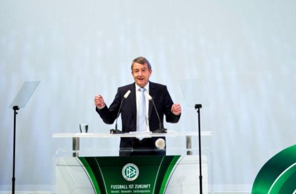 DFB-Vorsitzender Wolfgang Niersbach Foto: dpa