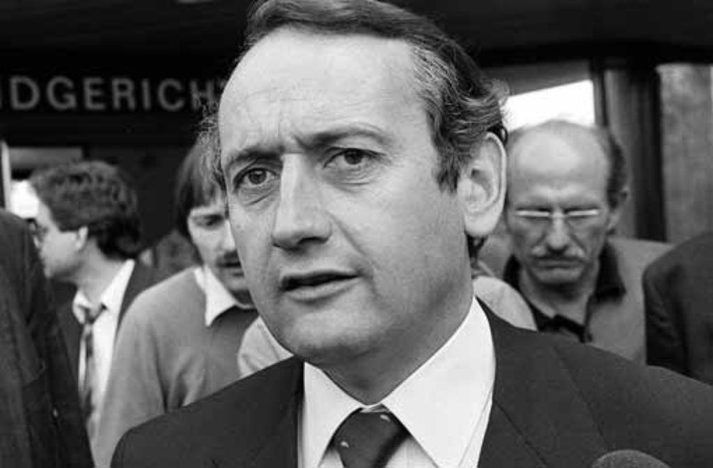 Der schwäbische Nudelfabrikant Klaus Birkel am 23. Mai 1989 vor dem Landgericht in Stuttgart, vor dem er einen Sieg gegen das Land Baden-Württemberg erstritt. Foto: apn