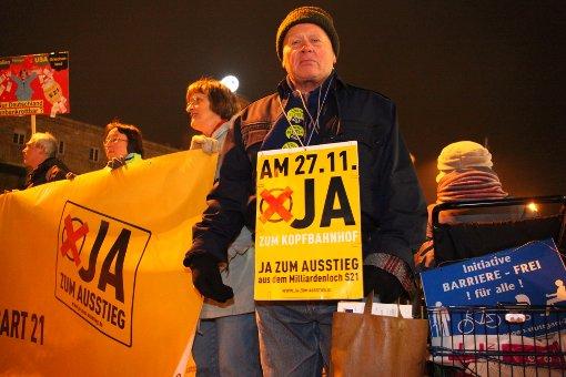 1600 demonstrieren gegen Stuttgart 21