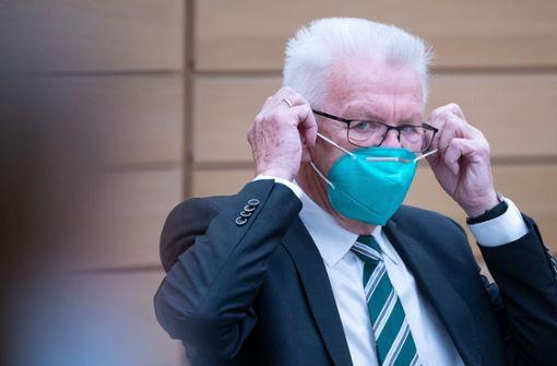Schärfere Kontaktregeln treten am Dienstag in Kraft - Kretschmann informiert