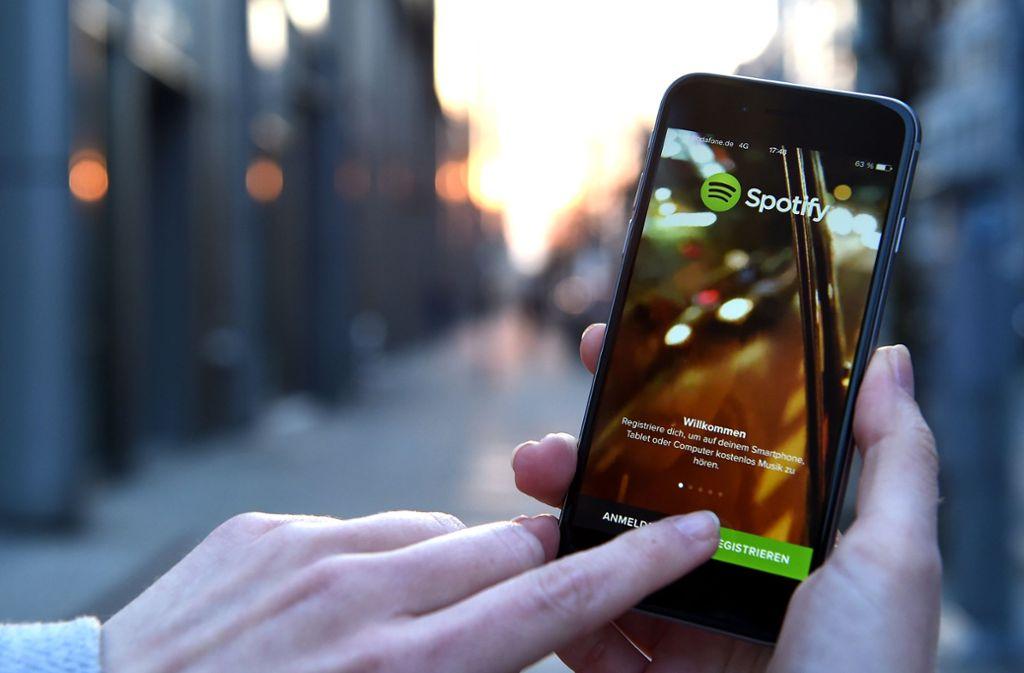 """""""Spotify"""" hat für Nutzer eine neue und recht nützliche Funktion eingeführt. (Symbolbild) Foto: dpa-Zentralbild"""