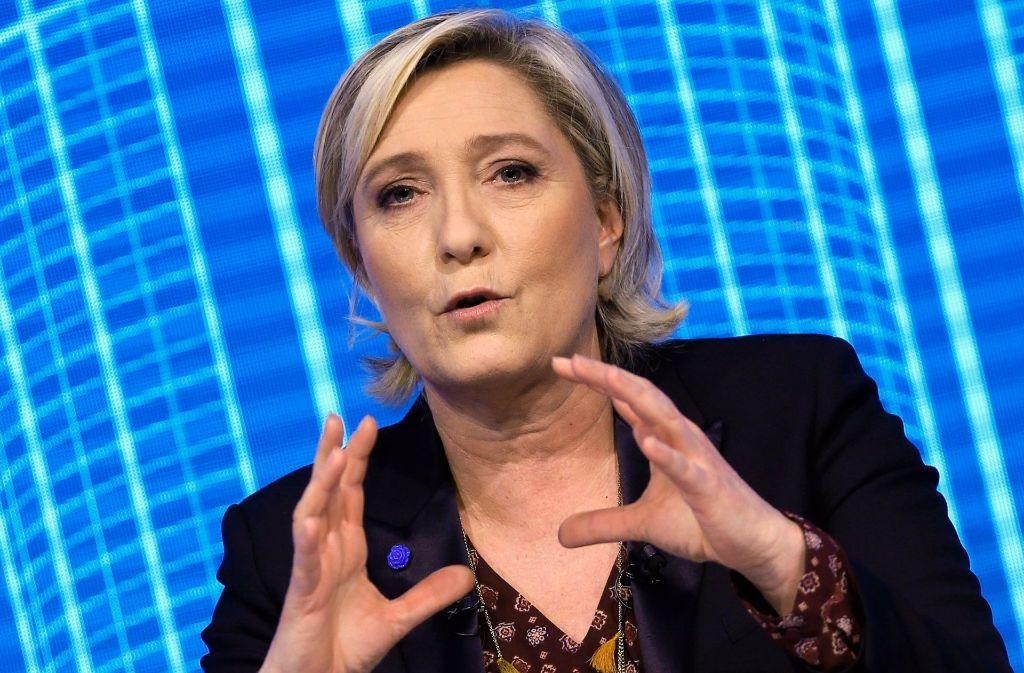 Marine Le Pen verweigert eine Befragung in der Scheinbeschäftigungs-Affäre im EU-Parlament. Foto: AP