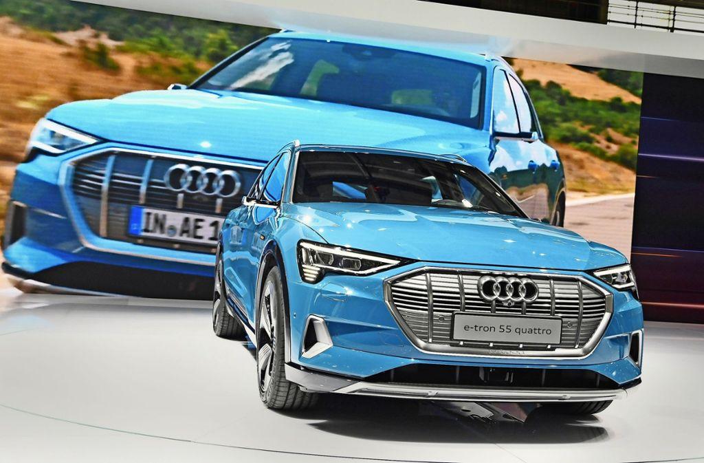 Beim nun gestarteten Pariser Autosalon gibt sich Audi mit neuen E-Modellen zukunftsgewandt. Aktuell kämpft der Konzern jedoch mit Problemen beim neuen Verfahren zur Abgasprüfung Foto: dpa