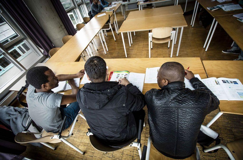 Deutschkurs in der Volkshochschule – nicht nur für Schüler anstrengend, sondern auch für Lehrer. Die verlangen bisher vergeblich ein Urlaubsentgelt. Foto: Lichtgut/Leif Piechowski