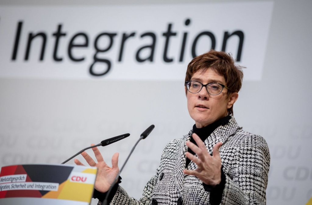 """""""Wir haben unsere Lektion gelernt"""", sagt die neue CDU-Chefin Annegret-Kramp-Karrenbauer. Foto: dpa"""