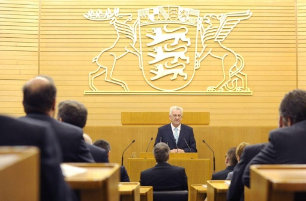 Ministerpräsident Winfried Kretschmann beim Festakt im Stuttgarter Landtag. Foto: dpa