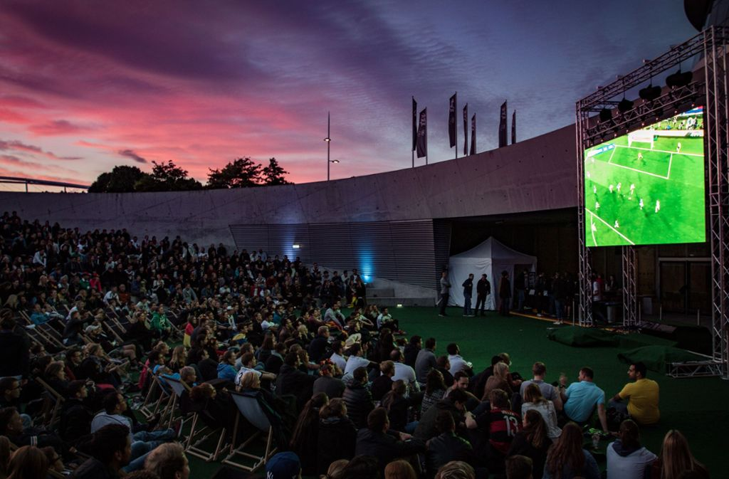 Am Mercedes-Benz-Museum können auch in diesem Jahr bis zu 1000 Zuschauer kostenfrei die deutschen WM-Partien verfolgen. Foto: 7aktuell.de/Friedrichs