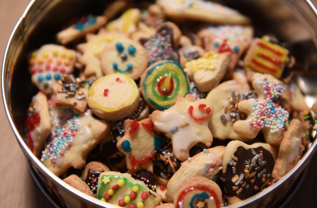 Je heißer Plätzchen im Ofen gebacken werden, desto höher steigt der Acrylamidwert. Foto: dpa