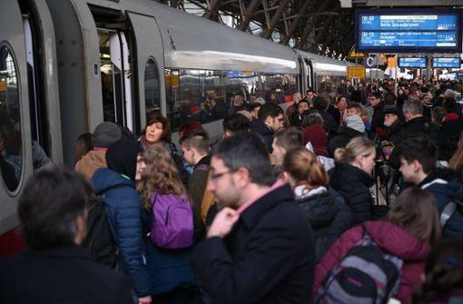 Weiter Zugausfälle und Verspätungen im Fernverkehr