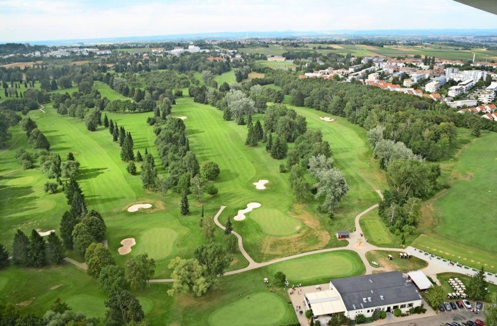 Gepflegtes Grün, viel Luft und Licht: der Golfplatz, schön zwischen Kornwestheim und Pattonville gelegen Foto: Birgit Kiefer