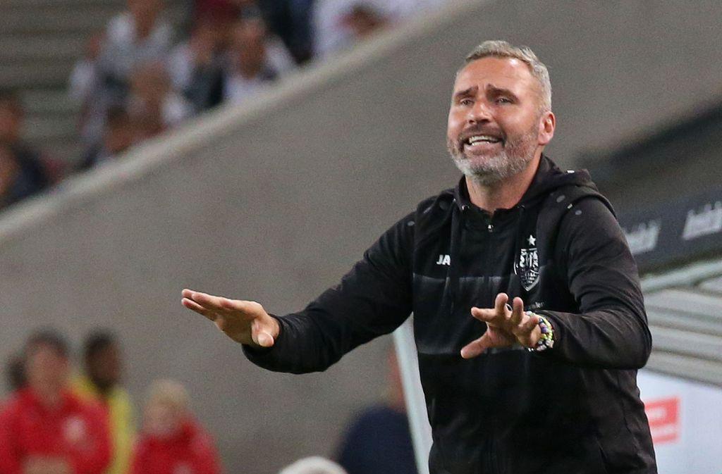 Tim Walter vom VfB Stuttgart hat auch Kritikpunkte nach dem Sieg gegen den VfL Bochum. Foto: Pressefoto Baumann