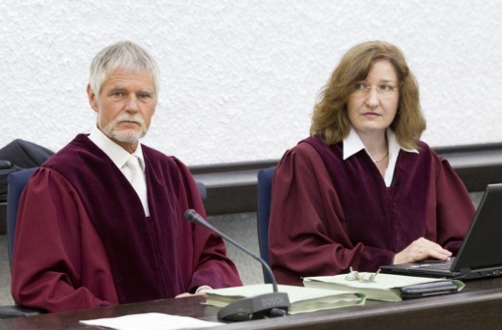 Die Bundesanwälte      Walter Hemberger und Silke Ritzert Foto: dapd