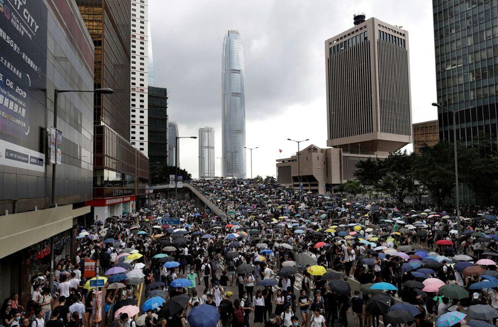 Bis zu einer Million Menschen waren gegen das Auslieferungsgesetz auf die Straße gegangen. Foto: dpa