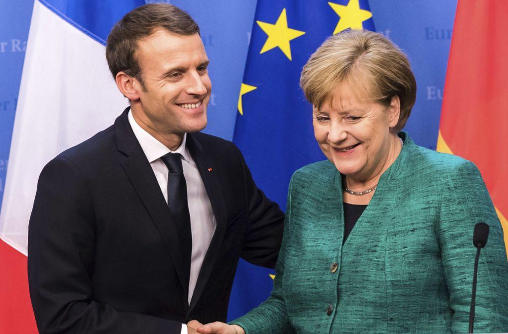 Annäherung bei Emmanuel Macrons Plänen für eine EU-Reform: Bundeskanzlerin Angela Merkel kann sich einige Vorschläge des französischen Präsidenten vorstellen. Foto: AP