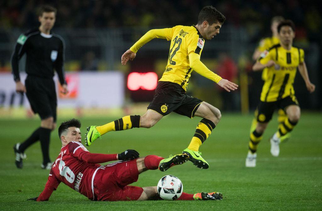 Borussia Dortmund quält sich zum 1:0 gegen den FC Ingolstadt. Foto: dpa