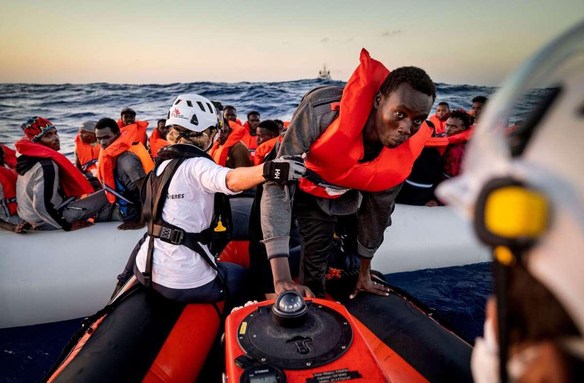 Hunderte Migranten wurden in internationalen Gewässern vor der Küste Tunesiens gerettet. (Archivbild) Foto: epd/Thomas Lohnes