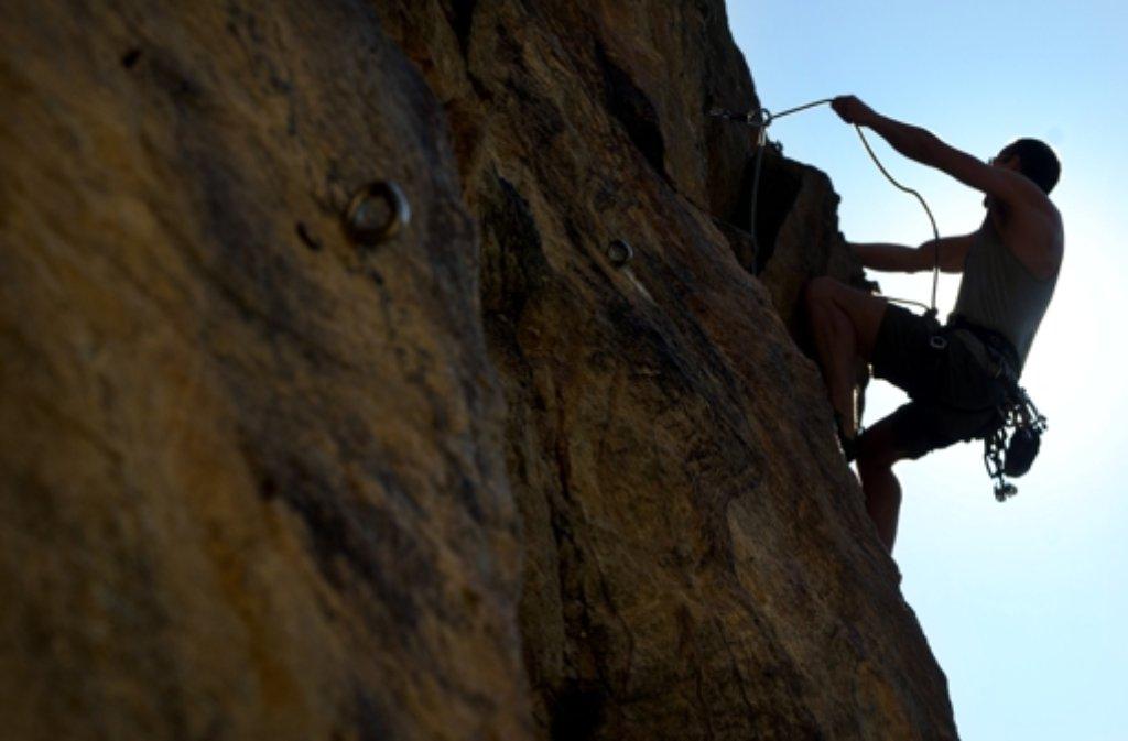 Ein Kletterer aus Renningen ist in Österreich abgestürzt. Foto: dapd (Symbolbild)