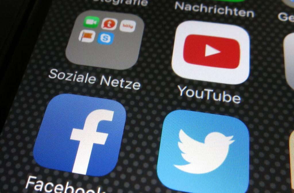 Über soziale Medien kann sich heute jeder an die Öffentlichkeit wenden. Das verändert die Demokratie, sagt der Tübinger Medienwissenschaftler Bernhard Pörksen. Foto: dpa