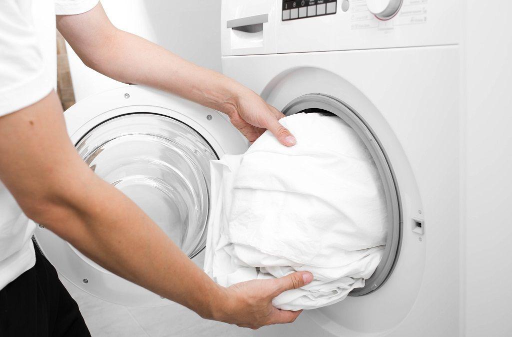 Federbett waschen - Wie funktionierts? Foto: Erica Smit / Shutterstock