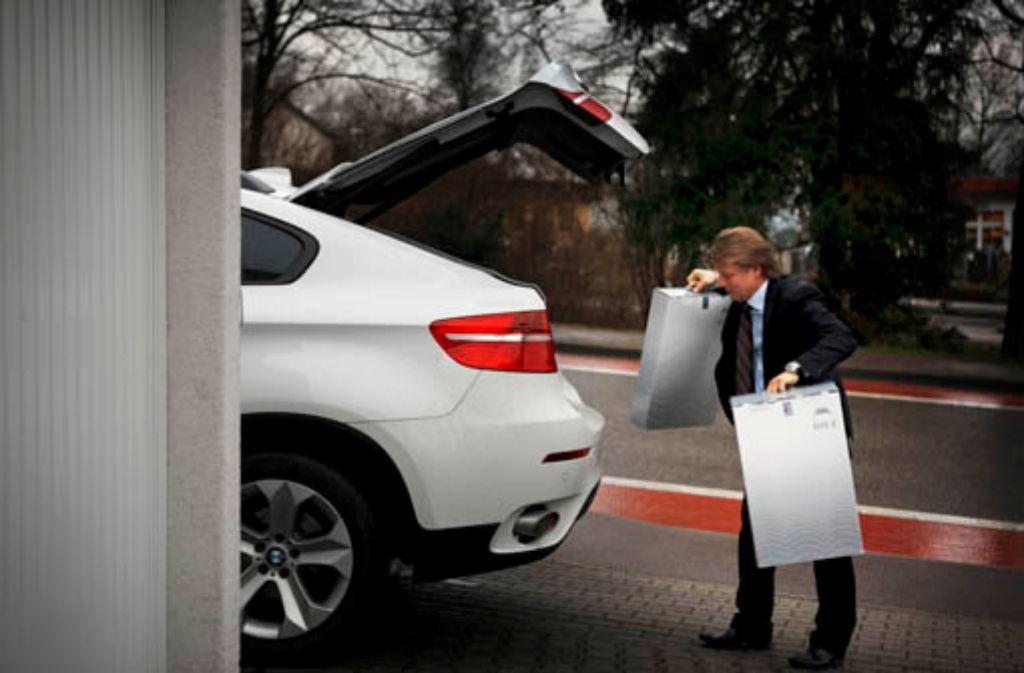 Automobile sind die große Leidenschaft des Meisterverkäufers. Foto: Stoppel