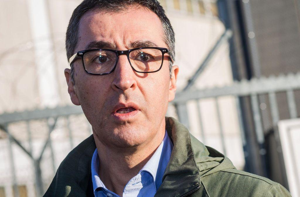 Cem Özdemir soll eine konkrete Drohung mutmaßlich von Rechtsextremisten erhalten haben. Foto: dpa/Christoph Schmidt