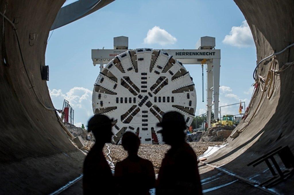 Auf der Baustelle des Fildertunnels am Fasanenhof ist eine Tunnelbohrmaschine aufgebaut worden. Mit ihr soll in der zweiten Jahreshälfte der Tunnel aufgefahren werden. Foto: www.7aktuell.de | Oskar Eyb
