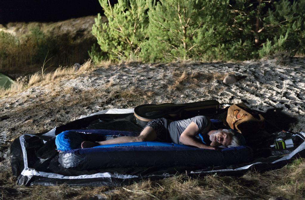 Camping-Kalle (Christoph M. Ohrt) braucht dringend Erholung.  Foto: ARD Degeto