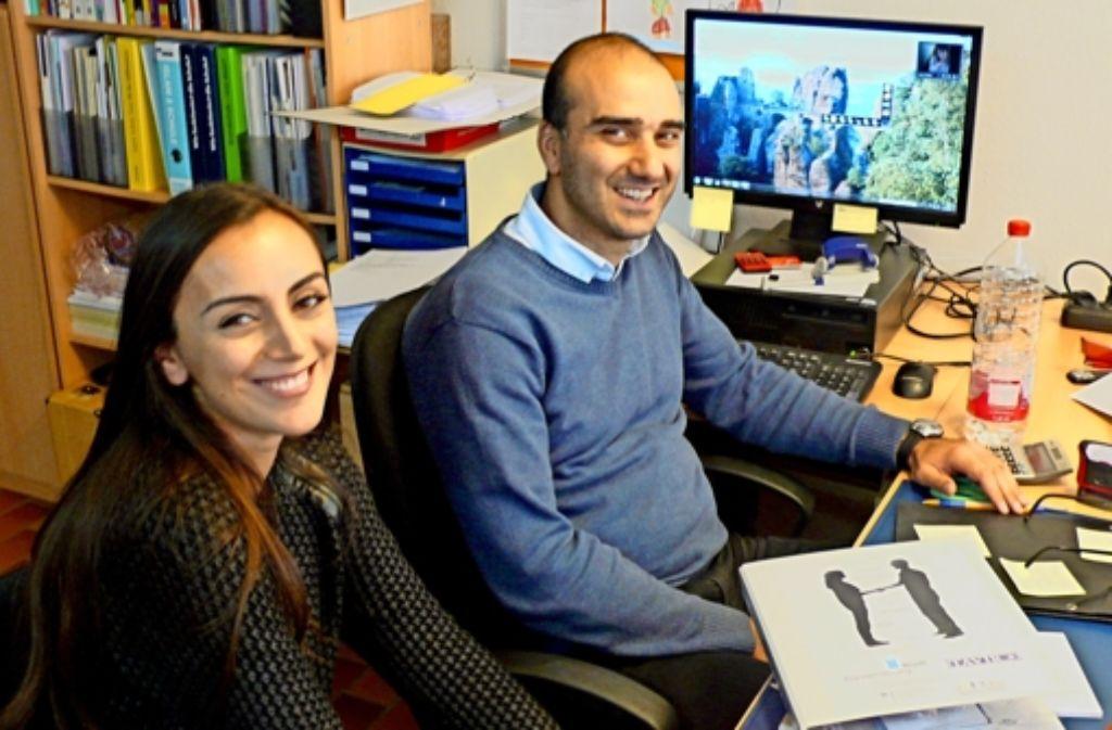 Gülcin Bayraktar und Mehmet Akoysan engagieren sich im Verein Tavir. Foto: Martin Geier