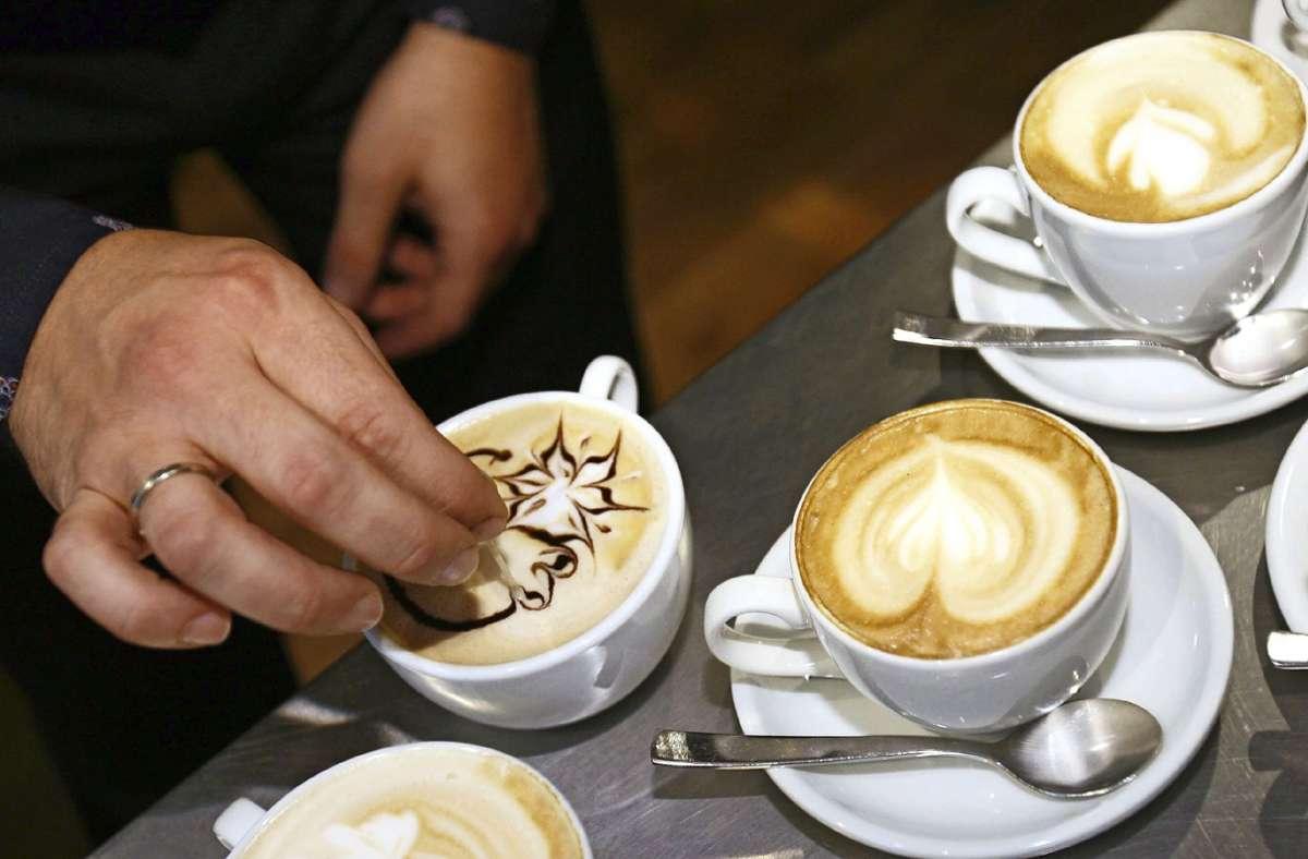 Wer sich einmal an einem eigenen Café versuchen möchte, hat im Hans-Rehn-Stift die Chance dazu. Foto: dpa/Klaus-Dietmar Gabbert