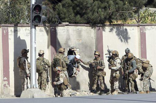 IS bekennt sich zu Angriff auf TV-Sender in Kabul