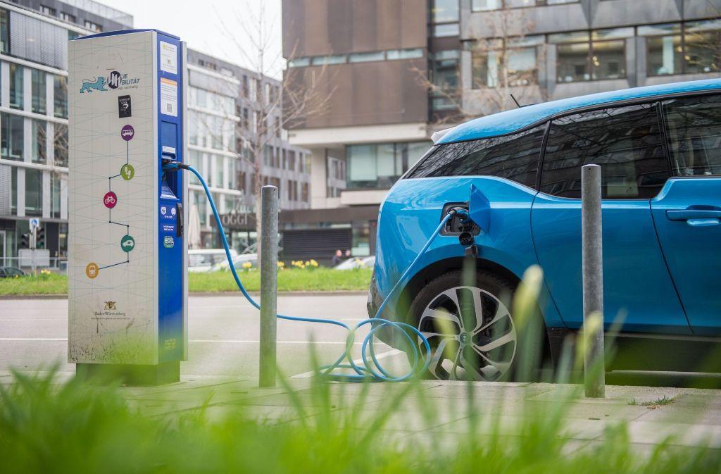 BMW setzt stärker auf batterieelektrische Antriebe. Foto: dpa