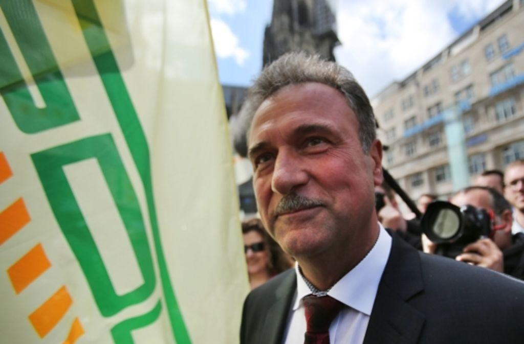 GDL-Chef Claus Weselsky rückt wieder einmal das Bild vom Streikführer zurecht, der die Republik rücksichtslos mit Ausständen drangsaliert – er kann auch anders. Foto: dpa